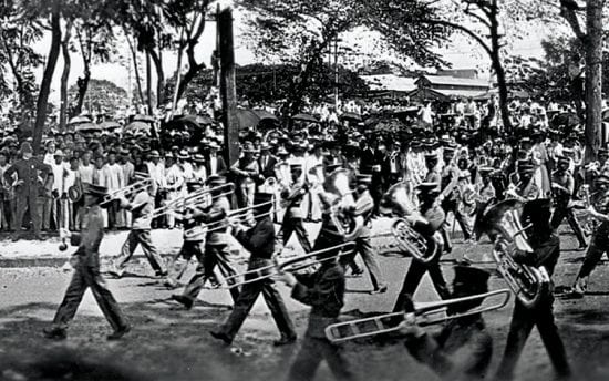 Philippine Constabulary Band on parade in Manila, 1905